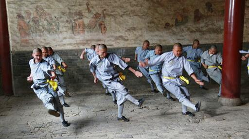 Name:  Shaolin-monks-daily-kung-fu-training.jpg Views: 2112 Size:  29.5 KB