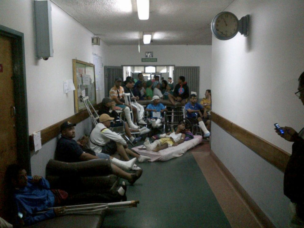 Name:  HT_venezuela_hospital_protest_jef_160630_4x3_992.jpg Views: 32 Size:  89.6 KB