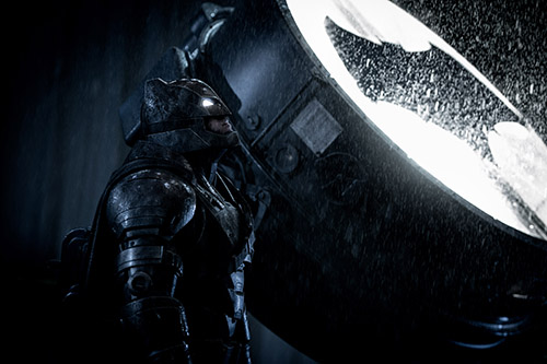 Ben Afflick as a heavily armored Dark Knight in BATMAN v SUPERMAN:DAWN OF JUSTICE