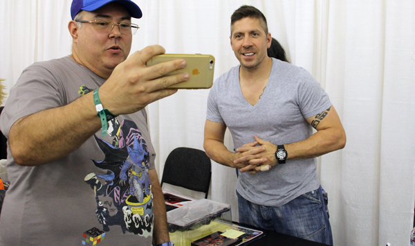 Ray Park and a fan at the Silicon Valley Comic-Con